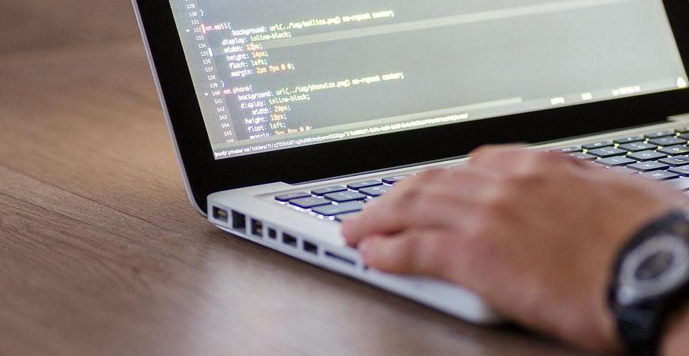 ITエンジニアの職種や仕事内容を解説するサイトのヘッダー画像